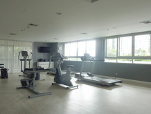 krungthepthanitower-gym
